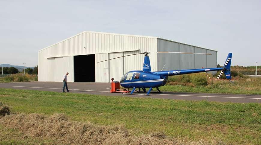 Pavilhão Desportivo para Aviação com Helicóptero Frisomat